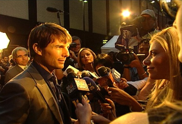 Gina Giordan interviewing Tom Cruise WOTW PREMIERE